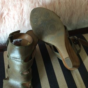 Franco Sarto Shoes - Green Leather Wedges Size 7 1/2